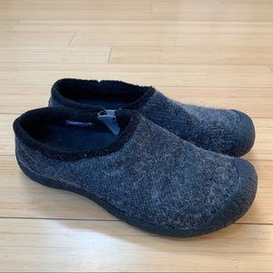 KEEN wool slide in mules, 10.